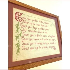 🎁 Vintage Cross Stitch Art Wooden Frame Glass Top